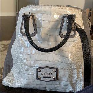 Guess handbag/shoulder bag option